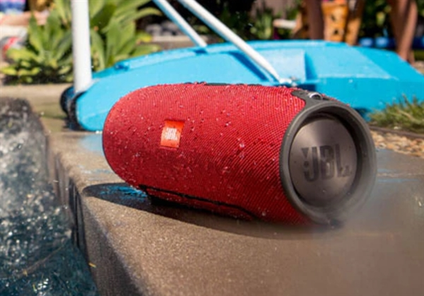 JBL蓝牙音箱发布:IPX7等级认证 能泡水30分钟