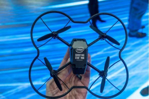 英特尔新版无人机技术可在室内进行灯光秀
