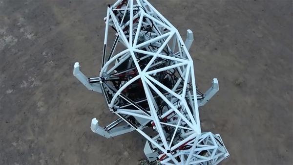 CES 2018:能操控的机器人来了 人机合一