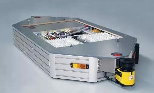 再牛的智能工厂都不能缺少AGV机器人