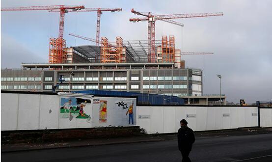 负债15亿英镑!英国百年建筑巨头Carillion破产清算 4.3万名员工前途未卜