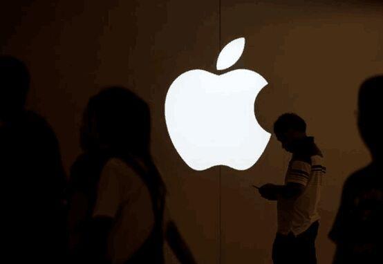 """从万千宠爱到人人喊打 苹果""""降速门""""玩大了"""