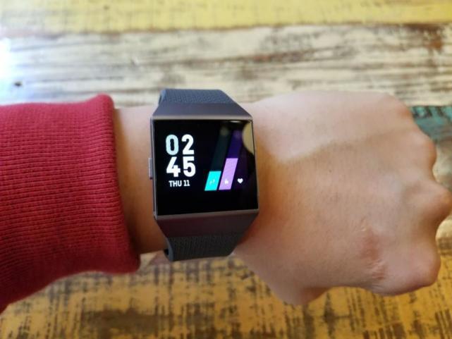 Fitbit  Ionic评测:首款智能手表电池续航出色