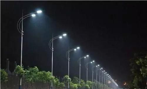 2020年低碳产业将突破10万亿,路灯节能减排全国兴起