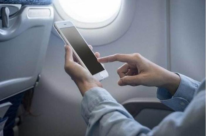 国航也欢迎开机,13家航企陆续解禁空中用手机