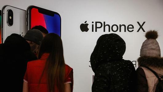 iPhone需求出现疲软迹象 苹果评级一周内第二次被下调手机