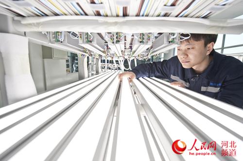 """河北鹏远光电照明设备点亮""""复兴号""""高铁列车"""