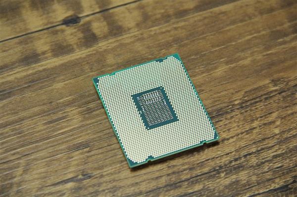 英特尔:10nm CPU今年底大量推出、14nm还有一代