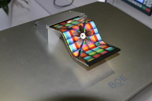 不可错过的黑科技!京东方OLED显示面板给你震撼体验