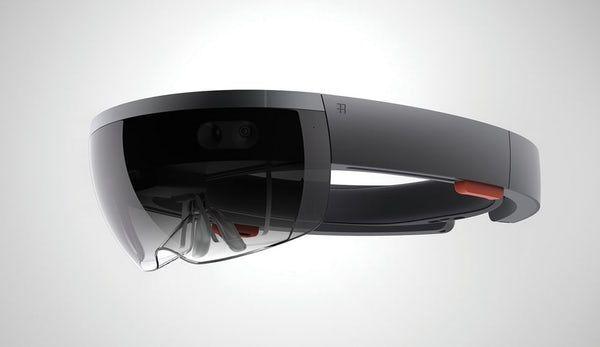 外科医生借助HoloLens实施了血管重连手术