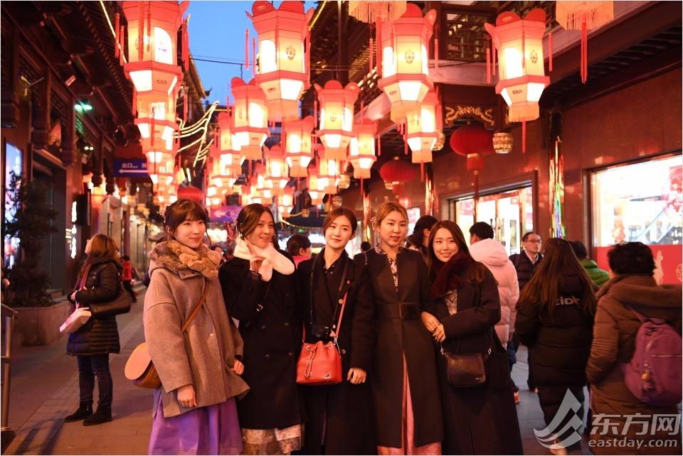2018豫园新春灯会亮灯 首次全部采用LED灯光源