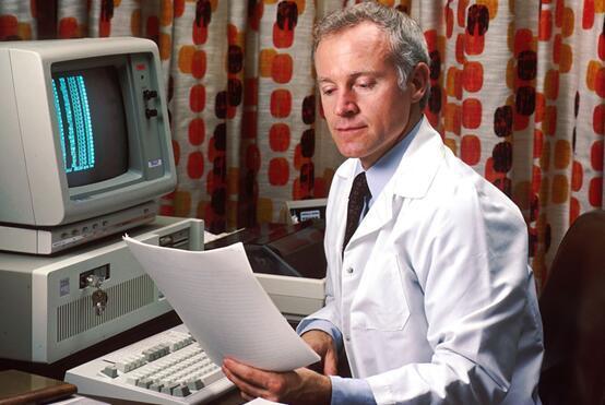 AI在医学领域崛起 未来给你看病开刀的或将是机器人