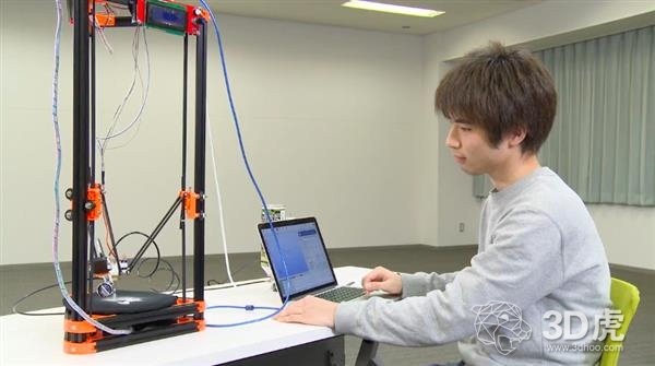 日本大学生用改进的桌面3D打印机打印冰结构