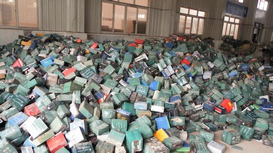 非法拆解废电瓶熔炼加工 9被告被处罚金