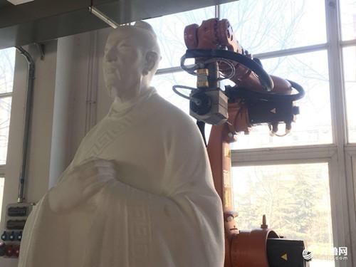写春联、雕刻孟子 这些活机器人都能干