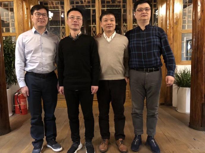 快播创始人王欣刚出狱,就与姚劲波聊起了AI视频区块链
