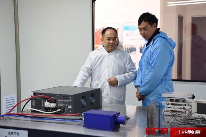 李京波团队:成功开发六千瓦纳秒脉冲激光器 将推向产业化应用