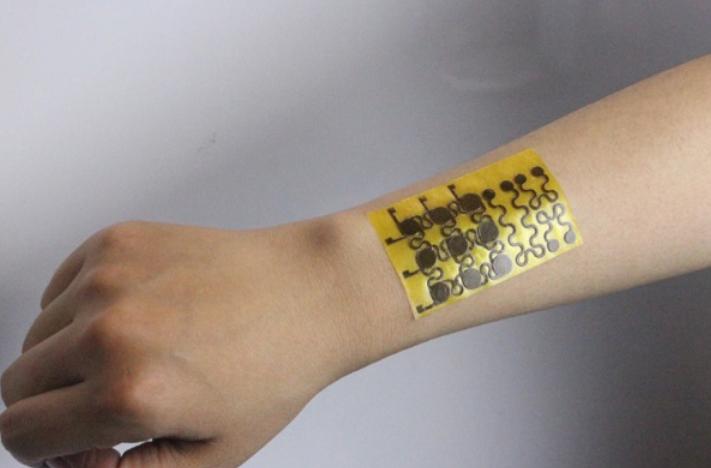 """研究人员研发可自我修复的""""电子皮肤"""",重点是还能回收再利用"""