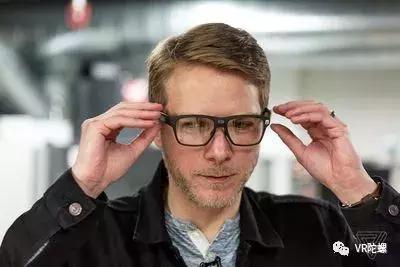 英特尔的智能眼镜要卖给25亿人
