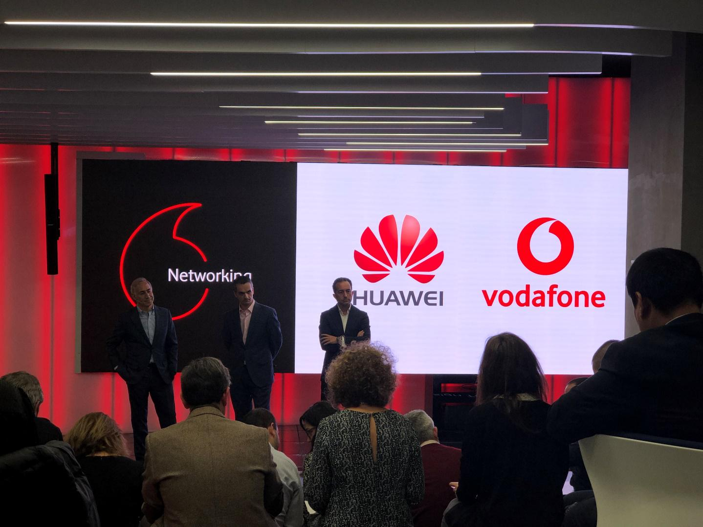 华为携手沃达丰完成基于3GPP标准5G商用系统的通话测试