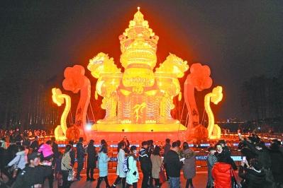 武汉东湖灯会 水幕激光秀科技感十足