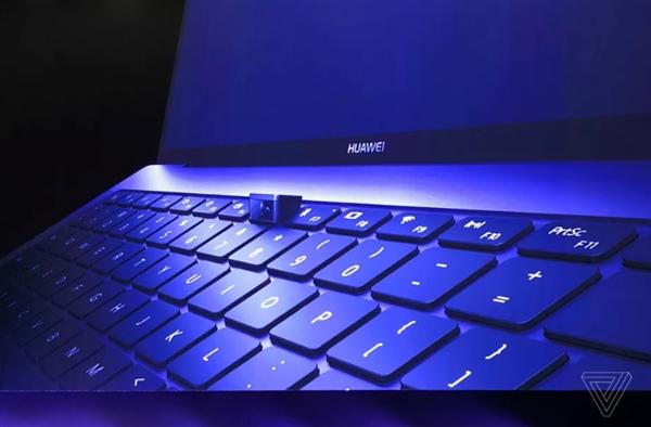 华为MateBook X Pro 13.9摄像头亮了