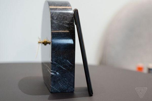 诺基亚8 Sirocco手机上手图赏:双曲面魅惑