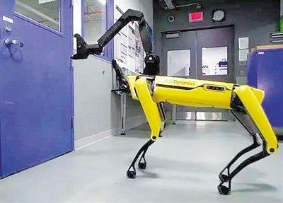 波士顿动力展示新视频 机器人可打开房门