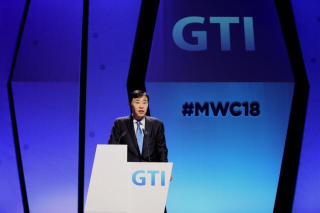 尚冰:TD-LTE全球已部署111张网络 用户超12.6亿