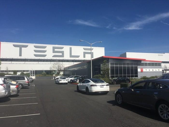 特斯拉生产零排放汽车的工厂因污染而被罚款