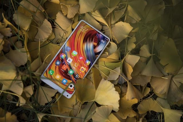 雷军公开表态:小米手机十个季度内重返中国第一