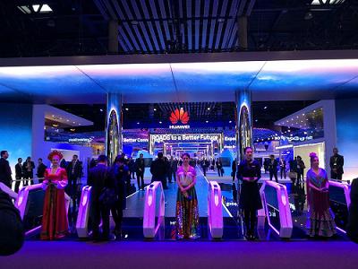 西班牙国王亲自体验5G时代下大空间多人VR互动