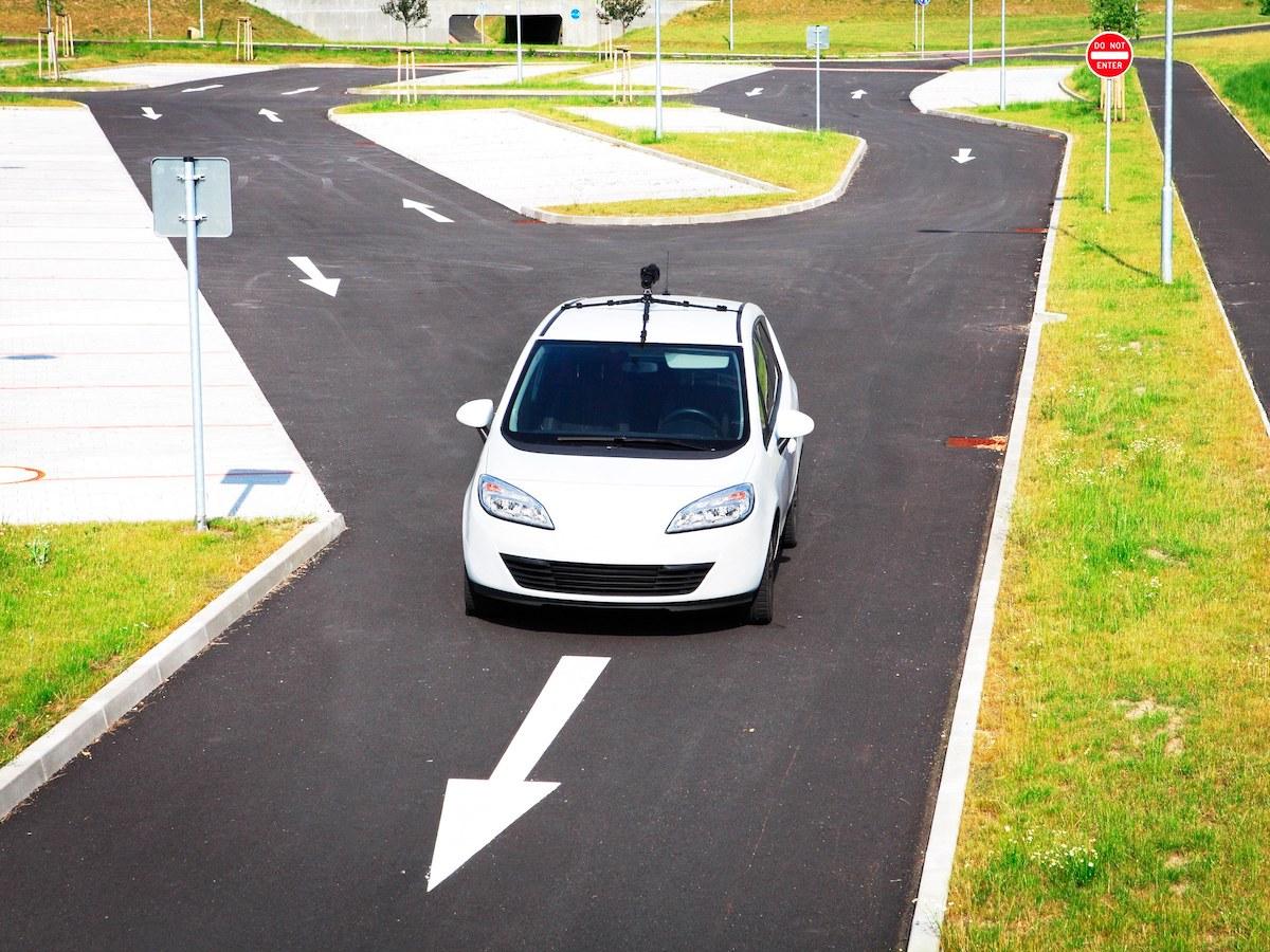 这些国家为无人车上路大开绿灯