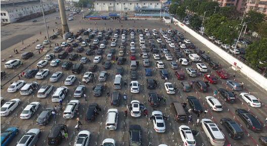 领跑!中国有望成为全球首个全电动车生态系统 计划2020年前铺设50万个充电桩