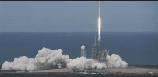 里程碑!SpaceX发射一颗巴士大小的卫星 猎鹰9号八年已执行50次任务