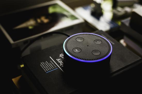 多名用户反应亚马逊Echo智能音箱突然发笑