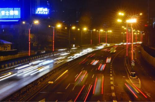 东环高架道路照明换灯 新灯更稳定舒适