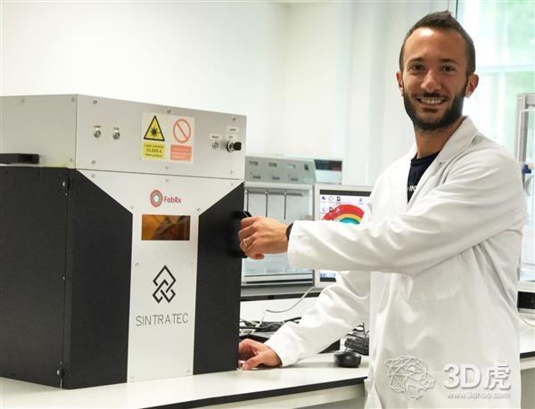 """英国生物技术公司FabRx使用SLS 3D打印机打印""""Printlet""""药片"""
