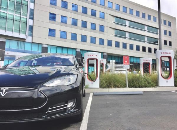 燃油车还是新能源车?德国企业的艰难转型