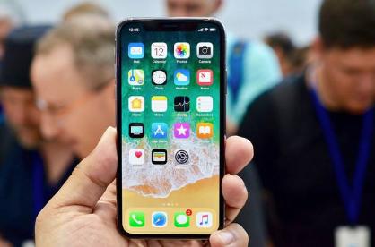 从头上到脚下,iPhone X真的甩了业界一个身位