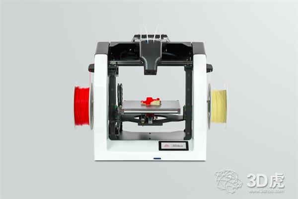 3DGence发布配备双挤出系统的3DGence DOUBLE 3D打印机