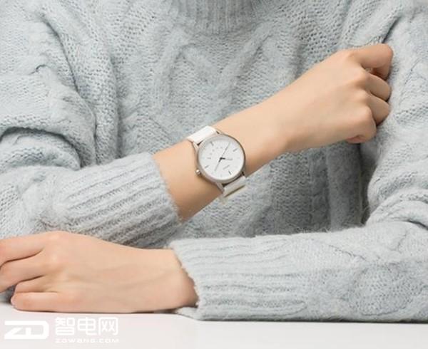 机械一体化设计 联想推出Watch 9智能表