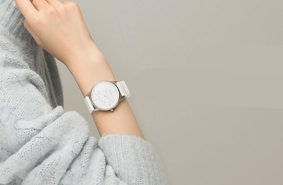 联想Watch  9智能手表正式开卖 续航惊人