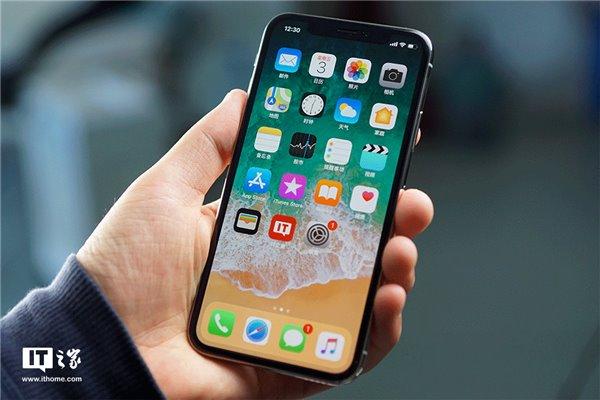 """为什么安卓手机有苹果iPhone X的""""刘海"""" 却砍不掉""""下巴"""""""