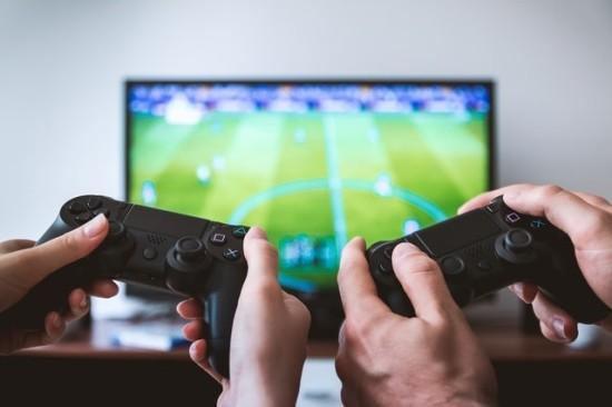 智能电视:市场渗透率达9成,机遇与隐忧并存!