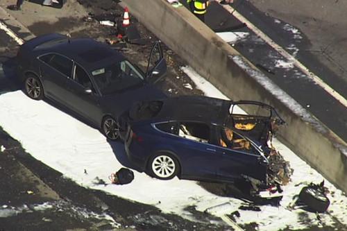 特斯拉发布申明,称Model X撞车事故主因在受损的衰减器