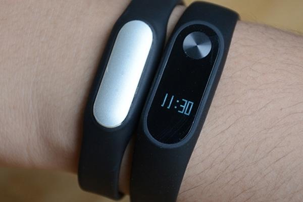 小米手环3外形/功能全曝光:OLED屏支持触摸了