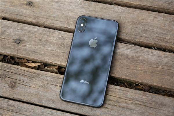 苹果研发革命性新iPhone:悬浮手势、内弯型曲面屏