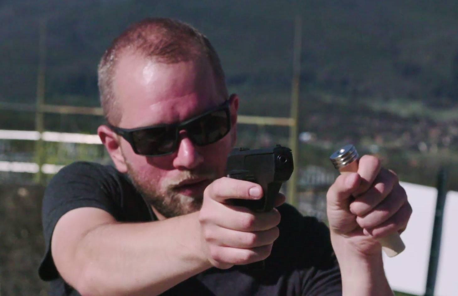 想成为枪械界的 iPhone,这些智能手枪厂商做了哪些努力?