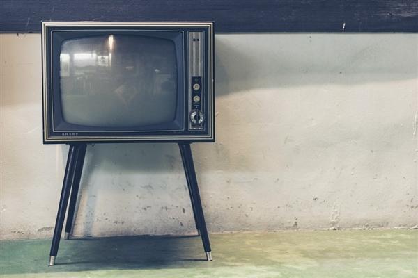 抛弃4K?电视厂商憋大招 国产8K屏要全面量产
